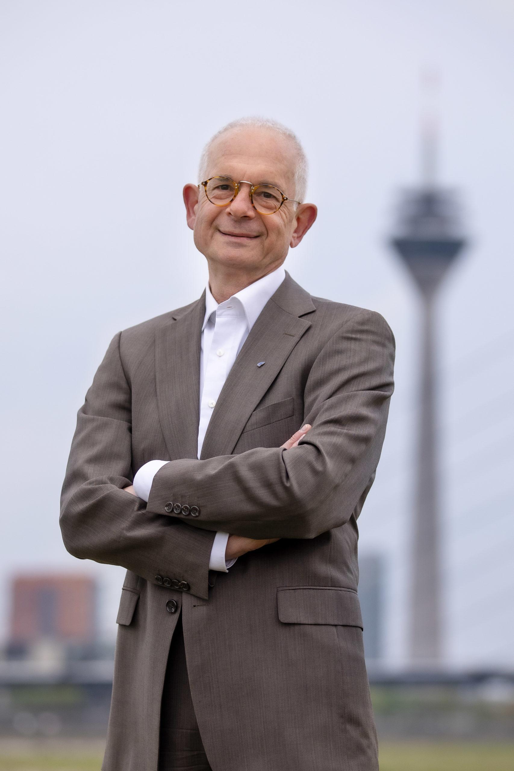 Rede des Vorsitzenden der DIG Düsseldorf, Emil Brachthäuser